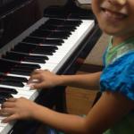 「ピアノに行きたくない。ママ、一緒に来て!」
