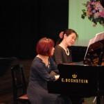 発表会の2部は連弾・アンサンブル・楽器・歌・リトミック・絵描き歌・・・・